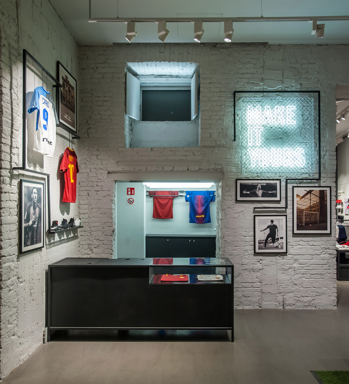 saludo Seguro tragedia  Nike Store Roma Corso – Syb